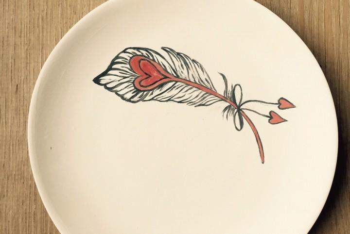 handgeschilderd, aardewerk, veren, valentijn, hartjes, houden van, liefde, rood